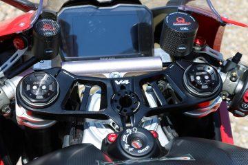 Piastra di sterzo CNC Racing per Ducati Panigale V4S