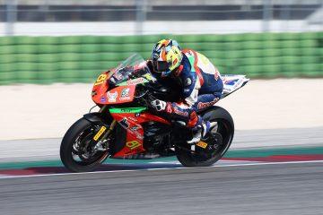 Alex Bernardi sulla sua S1000RR a Misano