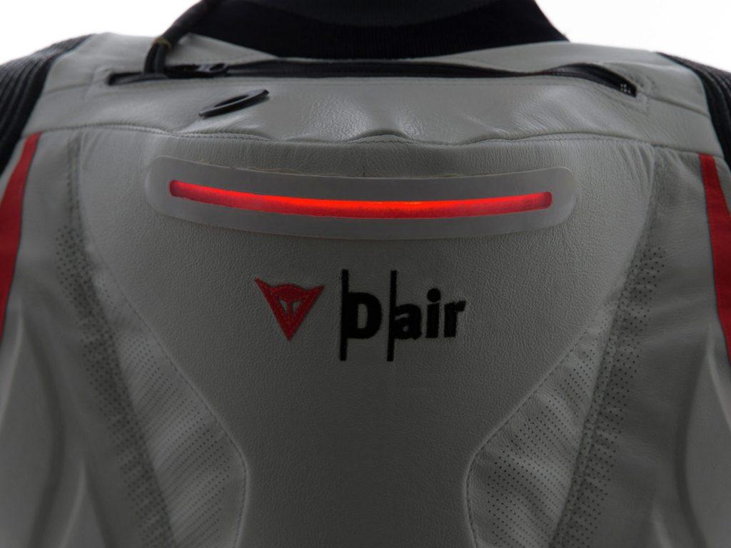 La Dainese Mugello R D-Air ha persino una luce d'emergenza