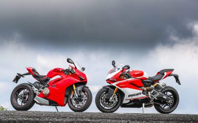 Ducati Panigale V4S vs 959 Panigale Corse