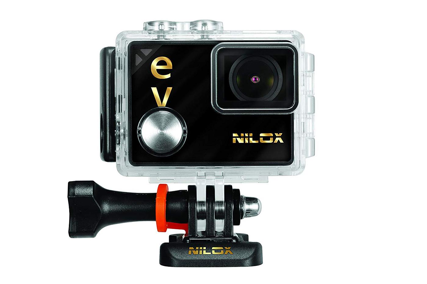 La Nilox Evo 4K30 nel suo case impermeabile