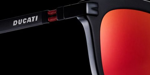 Gli occhiali da sole di Andrea Dovizioso
