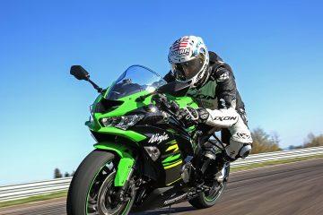 La Kawasaki Ninja 636 punta la prossima curva