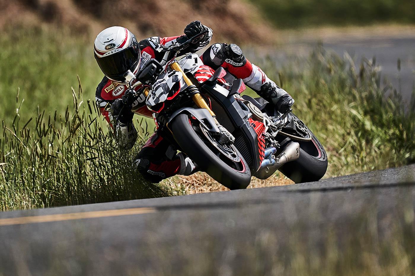 Ducati Streetfighter V4 in azione